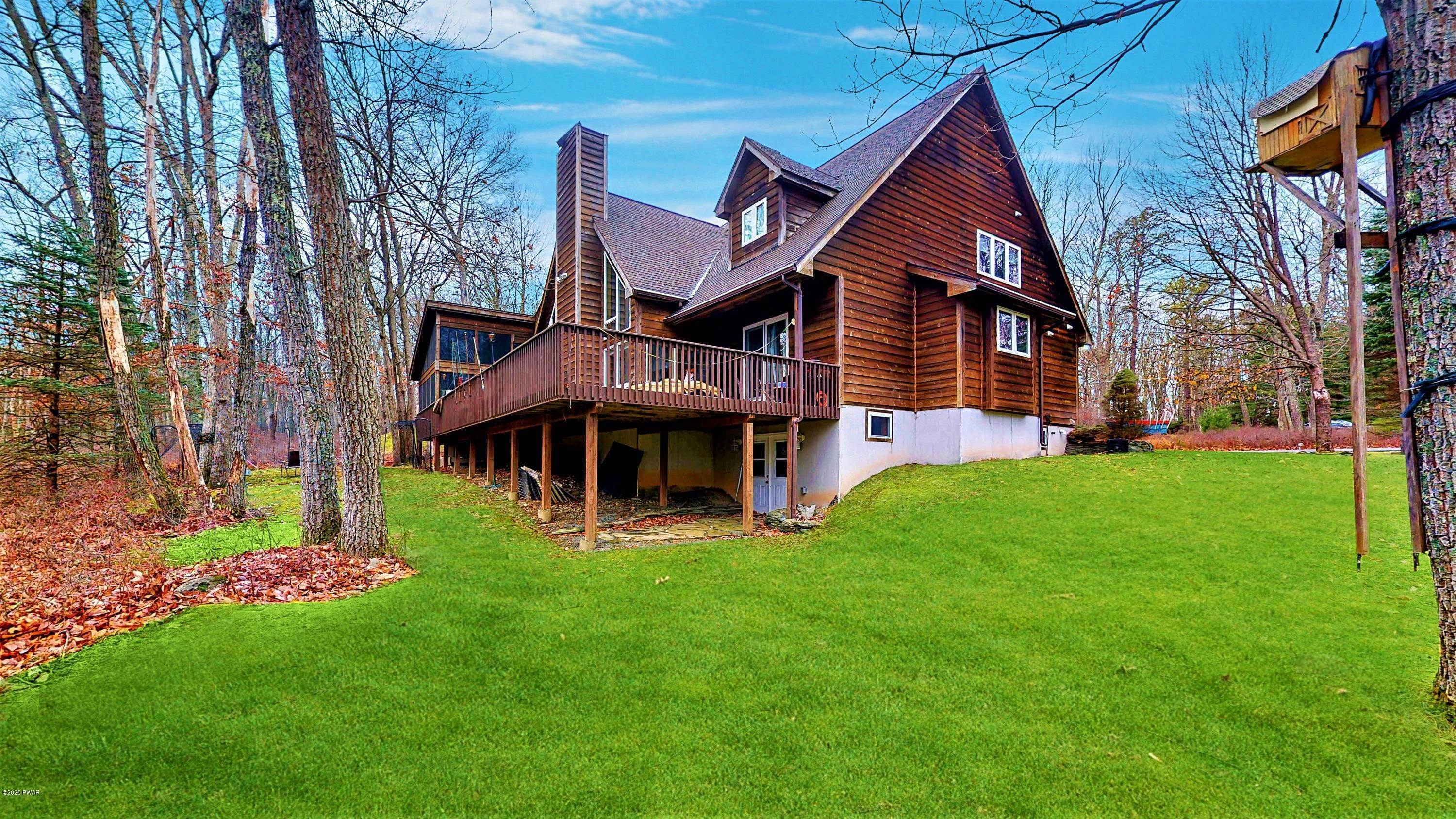 30. Single Family Homes for Sale at 229 Washington Dr Lords Valley, Pennsylvania 18428 United States