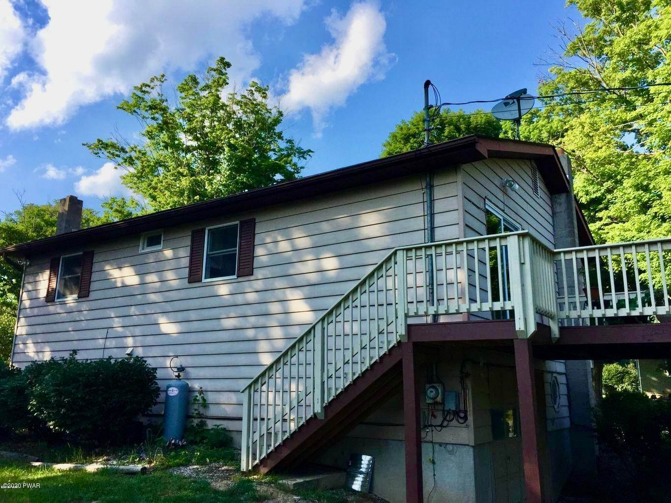18. Single Family Homes for Sale at 211 E High St Milford, Pennsylvania 18337 United States