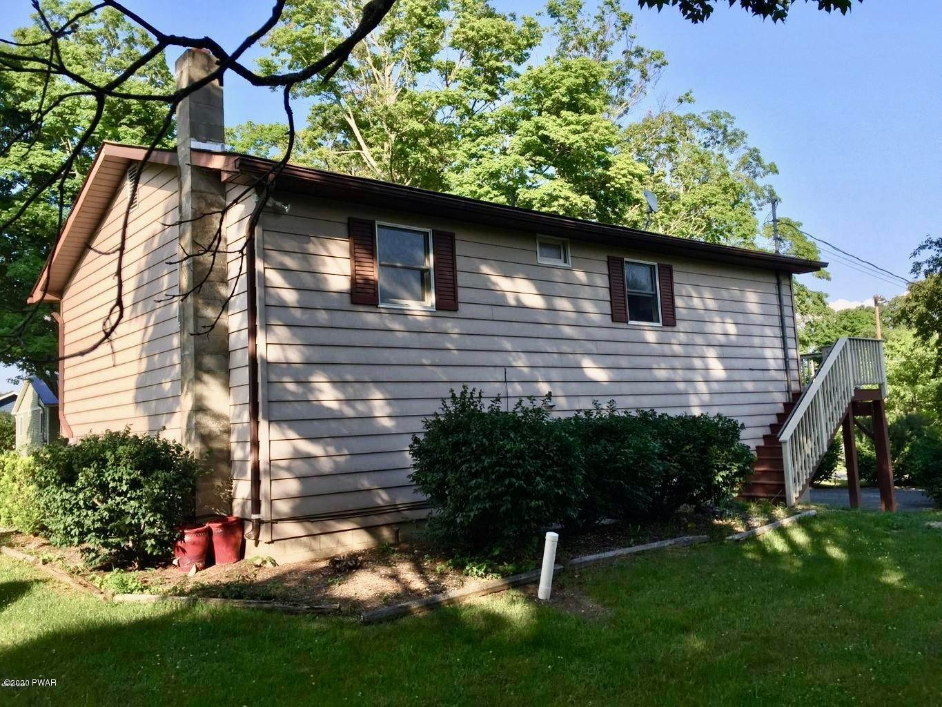 19. Single Family Homes for Sale at 211 E High St Milford, Pennsylvania 18337 United States