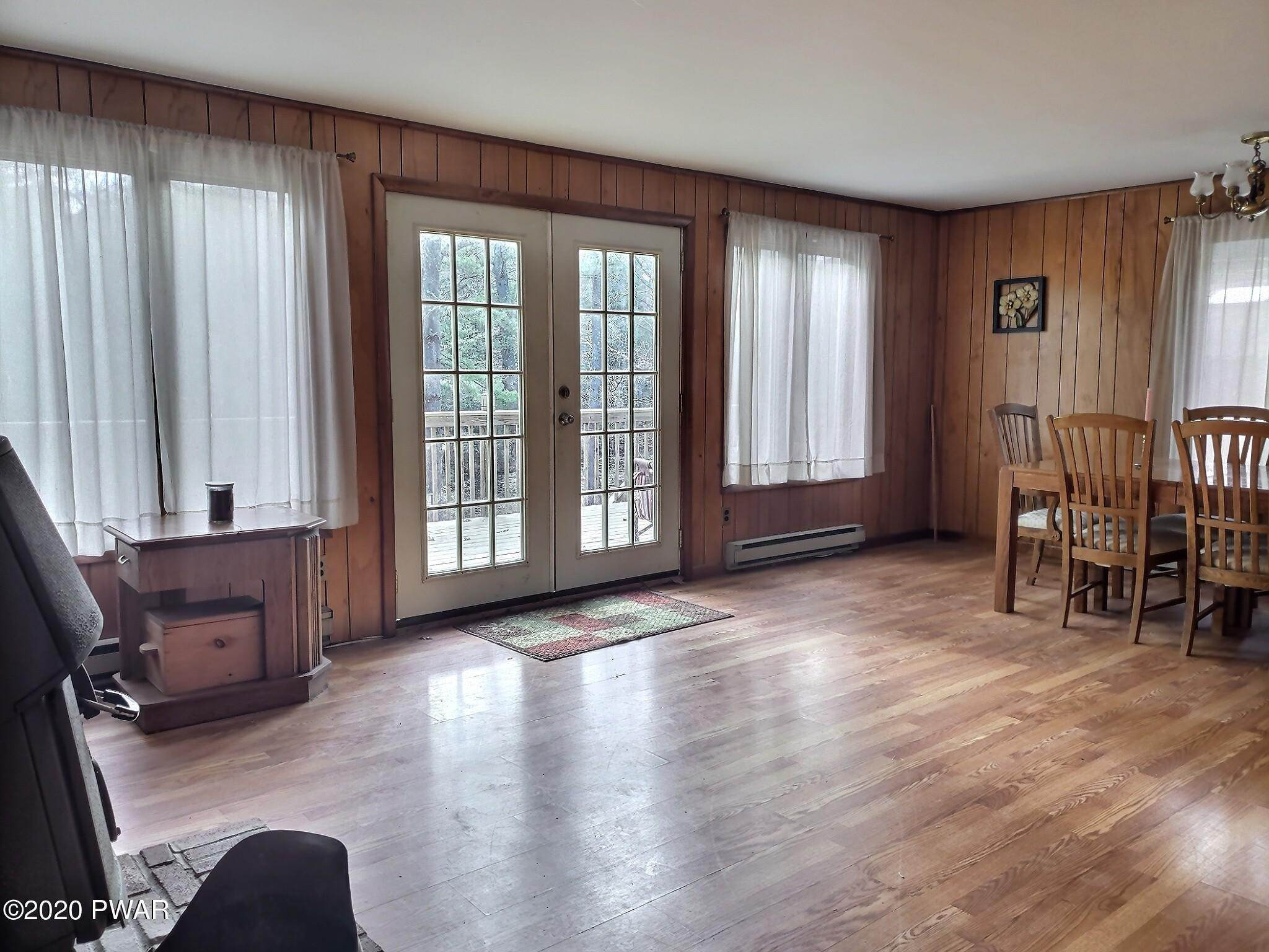 7. Single Family Homes for Sale at 153 Mckean Valley Rd Shohola, Pennsylvania 18458 United States
