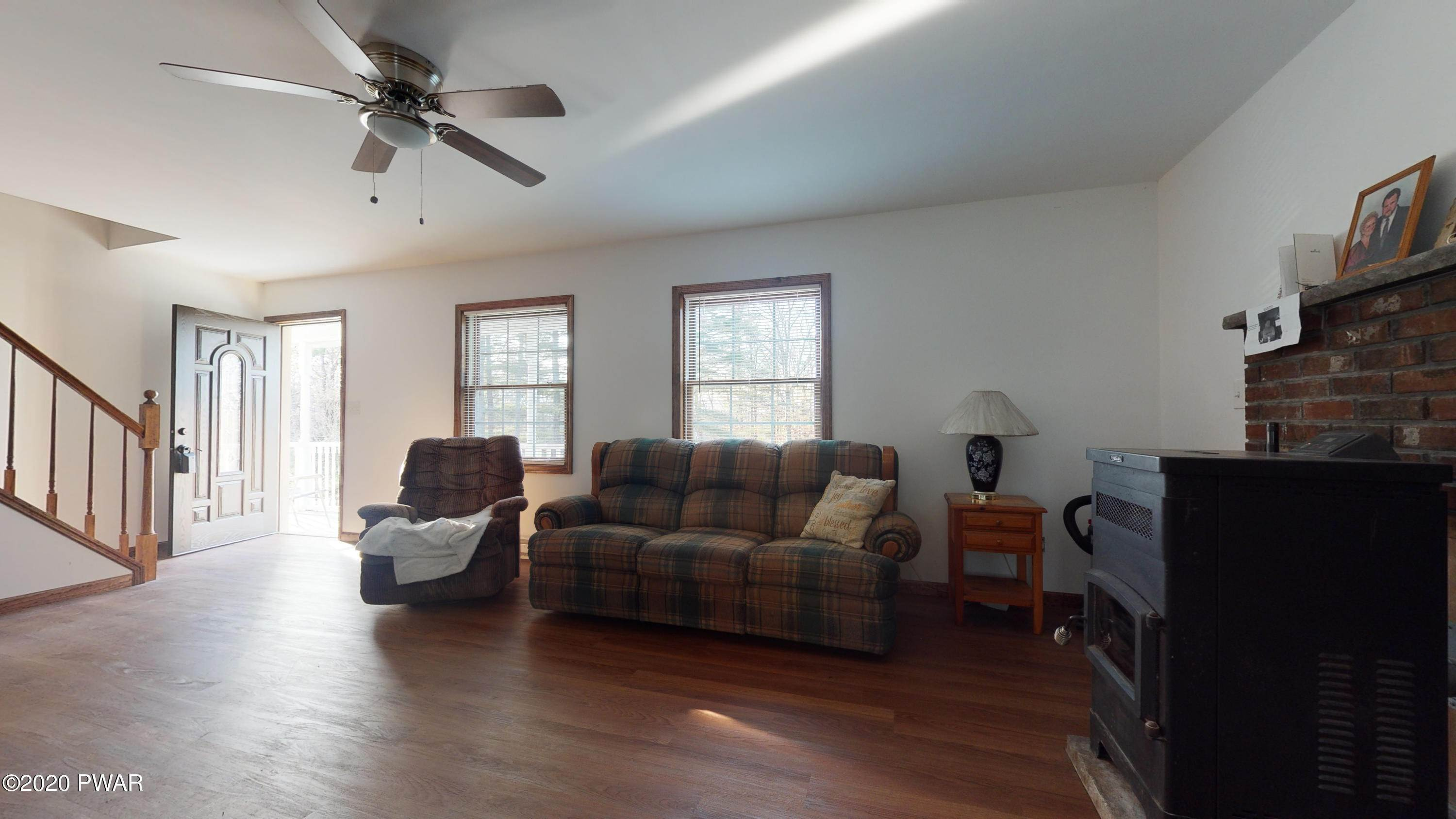 30. Single Family Homes for Sale at 149 S Nichecronk Rd Dingmans Ferry, Pennsylvania 18328 United States