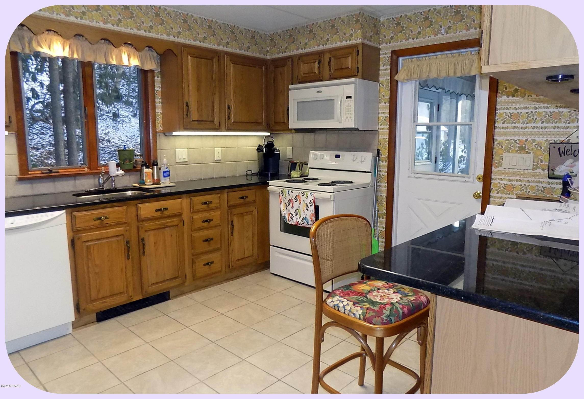 27. Single Family Homes for Sale at 278 S Sterling Rd South Sterling, Pennsylvania 18460 United States