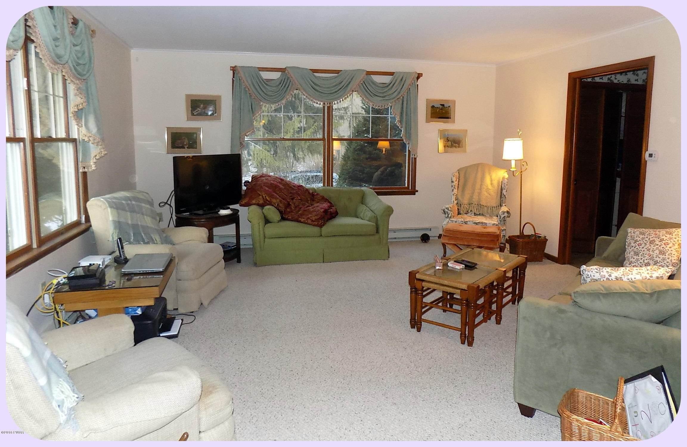 35. Single Family Homes for Sale at 278 S Sterling Rd South Sterling, Pennsylvania 18460 United States