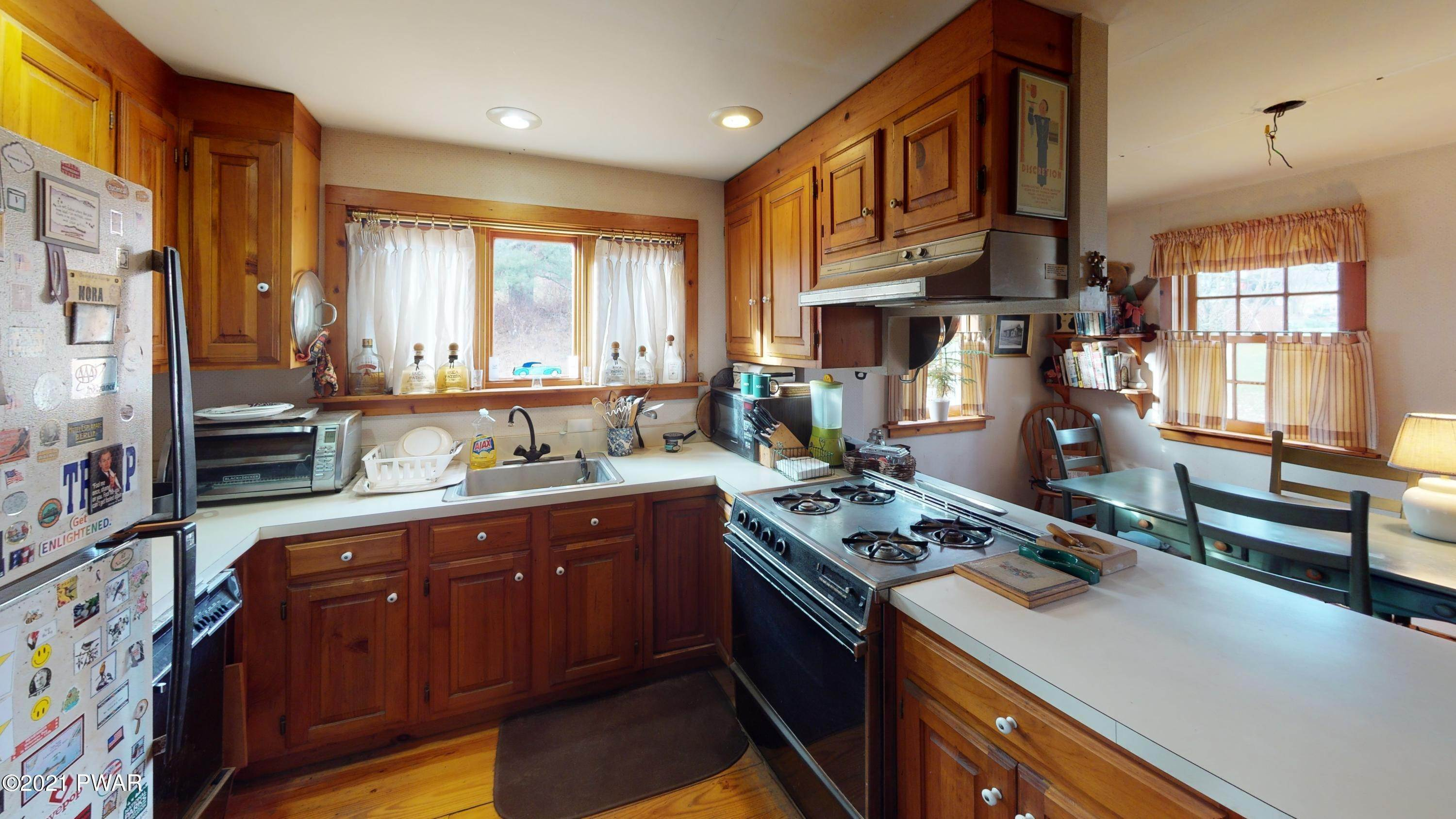7. Single Family Homes for Sale at 115 Second St Lackawaxen, Pennsylvania 18435 United States
