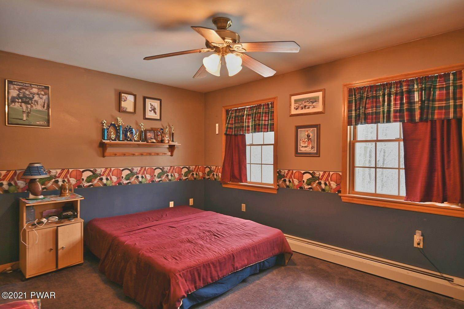 65. Single Family Homes for Sale at 323 Fallbrook Rd Carbondale, Pennsylvania 18407 United States