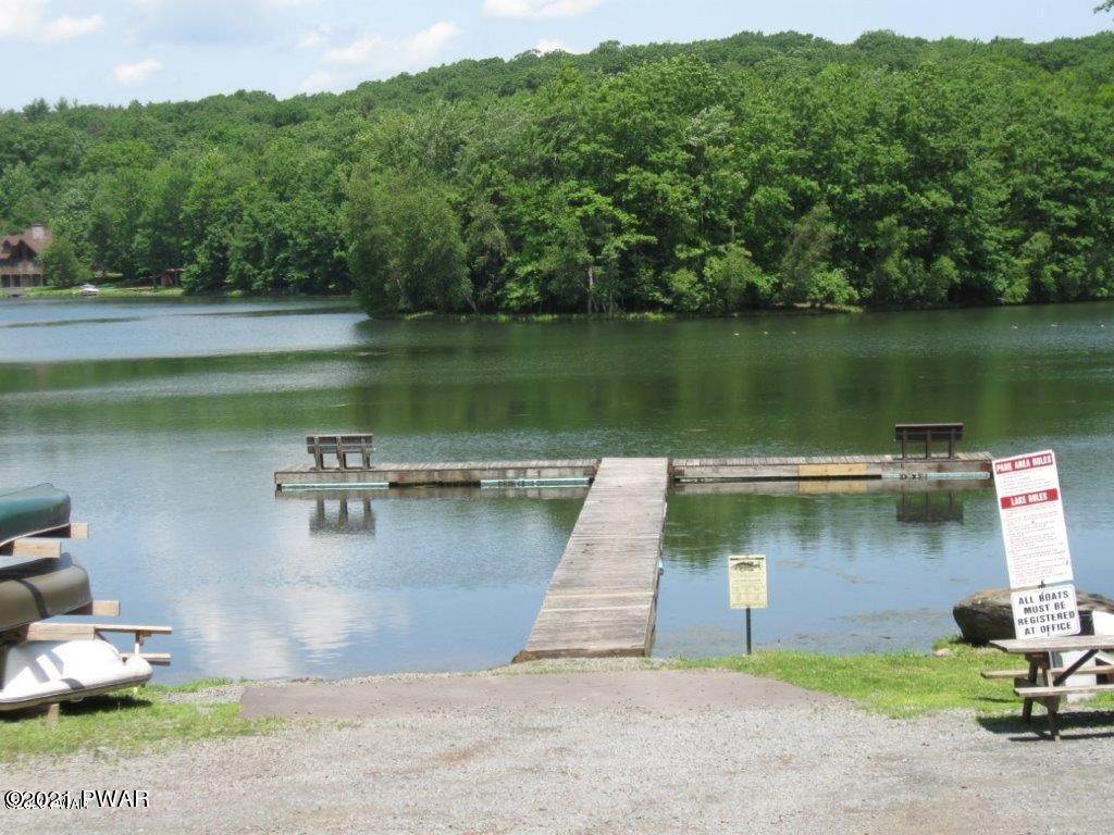 33. Single Family Homes for Sale at 1050 Tomahawk Rd Lake Ariel, Pennsylvania 18436 United States