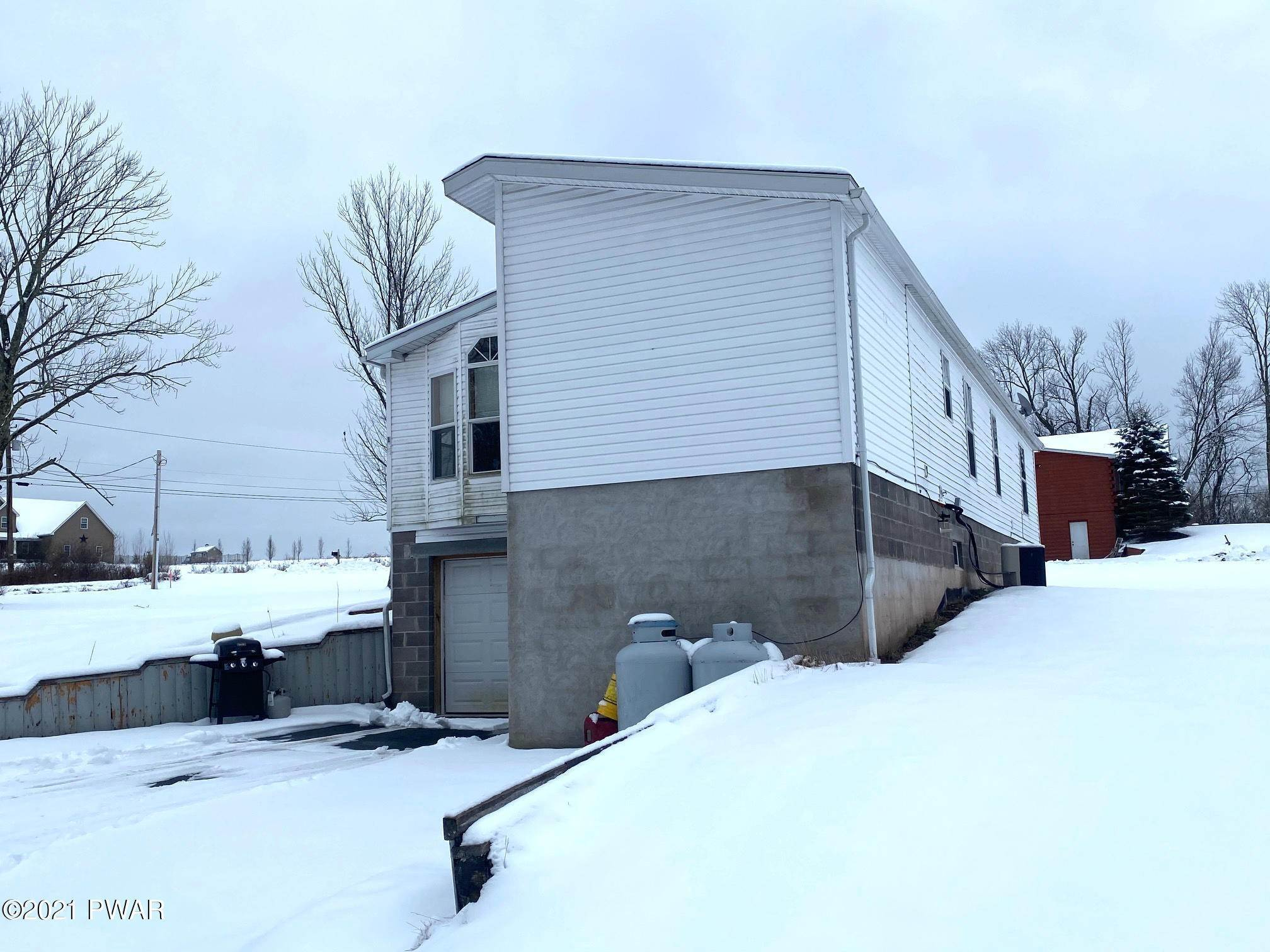 13. Single Family Homes for Sale at 25 Bayly Rd Honesdale, Pennsylvania 18431 United States