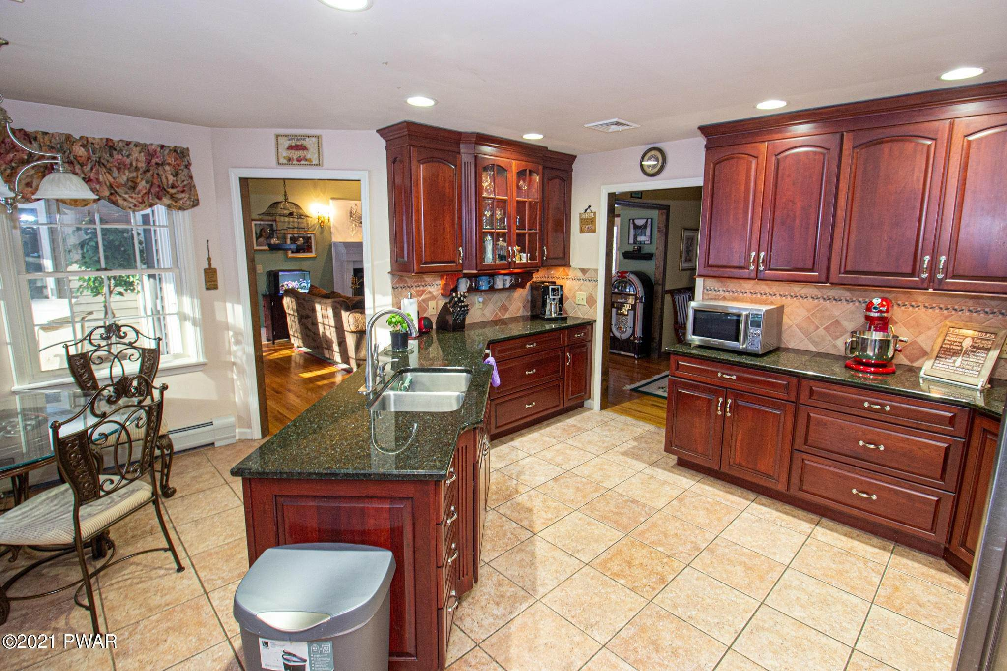 12. Single Family Homes for Sale at 179 Philwood Lane Milford, Pennsylvania 18337 United States