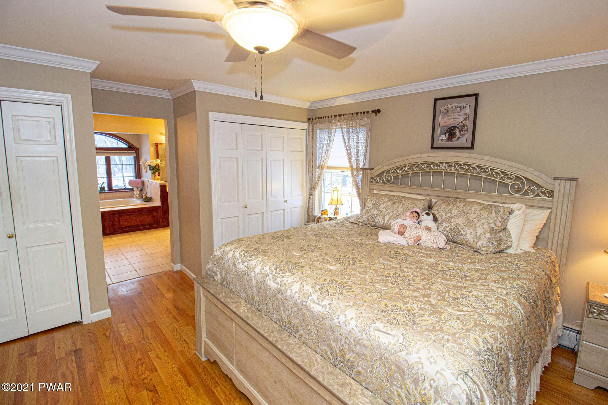 19. Single Family Homes for Sale at 179 Philwood Lane Milford, Pennsylvania 18337 United States