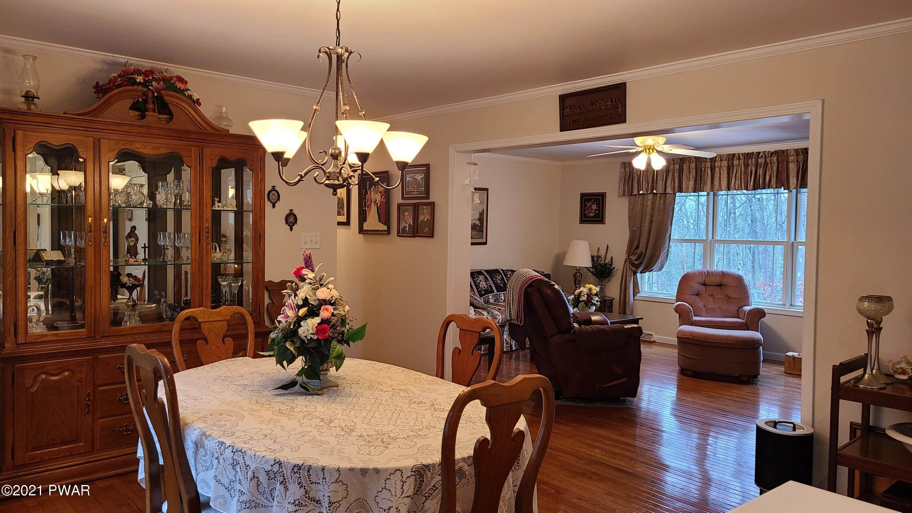 9. Single Family Homes for Sale at 147 Friendship Dr Hawley, Pennsylvania 18428 United States