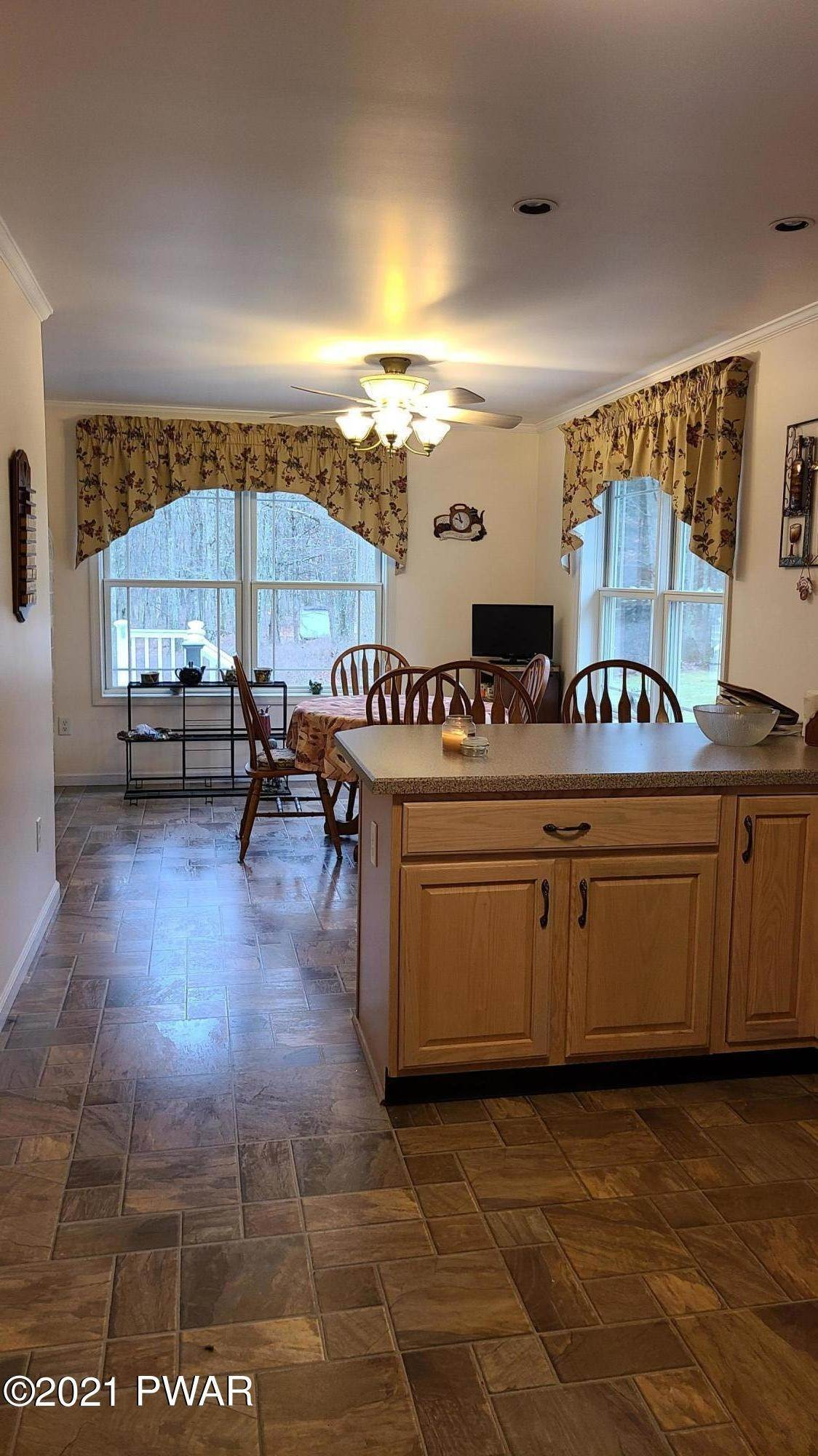 5. Single Family Homes for Sale at 147 Friendship Dr Hawley, Pennsylvania 18428 United States