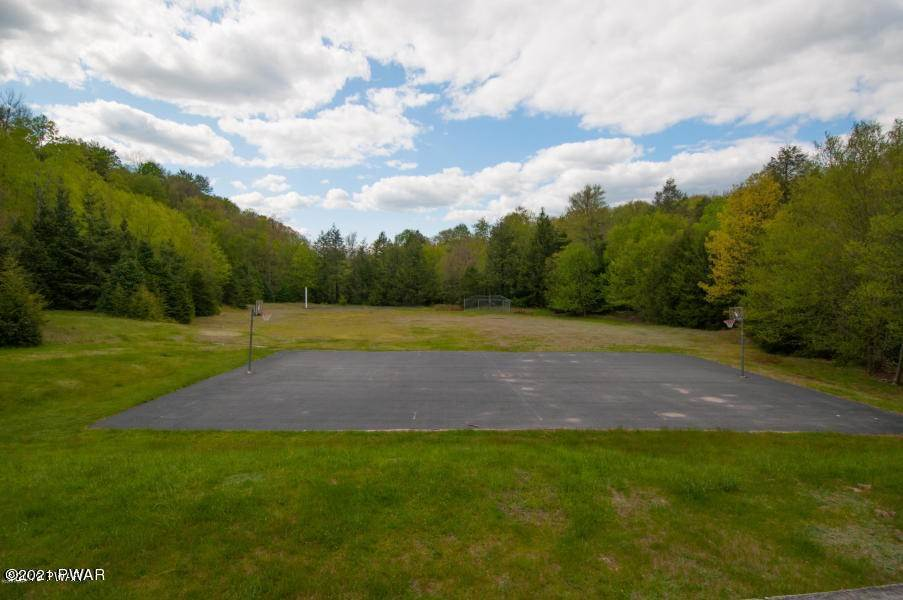 13. Land for Sale at Lot 134 Indian Drive Greentown, Pennsylvania 18426 United States