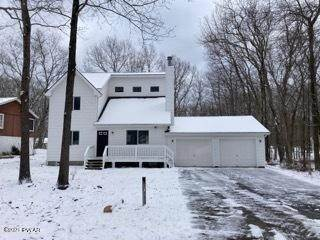 Single Family Homes for Sale at 150 Lakeview Dr Dingmans Ferry, Pennsylvania 18328 United States
