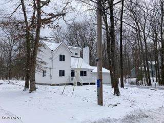 3. Single Family Homes for Sale at 150 Lakeview Dr Dingmans Ferry, Pennsylvania 18328 United States