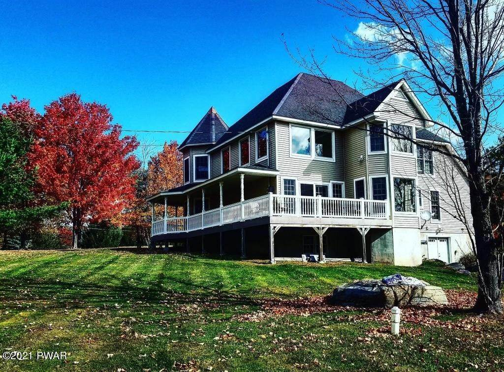 60. Single Family Homes for Sale at 14 Lakeville Ct Lakeville, Pennsylvania 18438 United States
