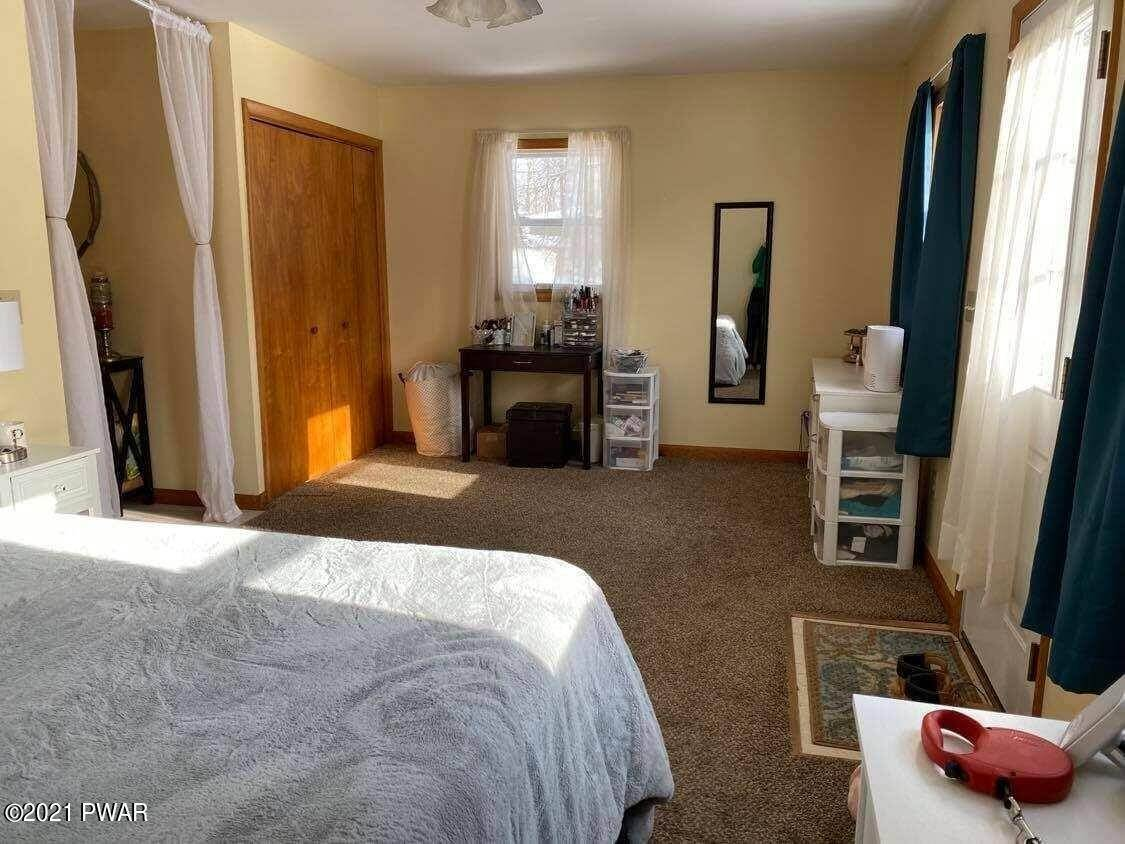 6. Single Family Homes for Sale at 4 Center Ave Honesdale, Pennsylvania 18431 United States