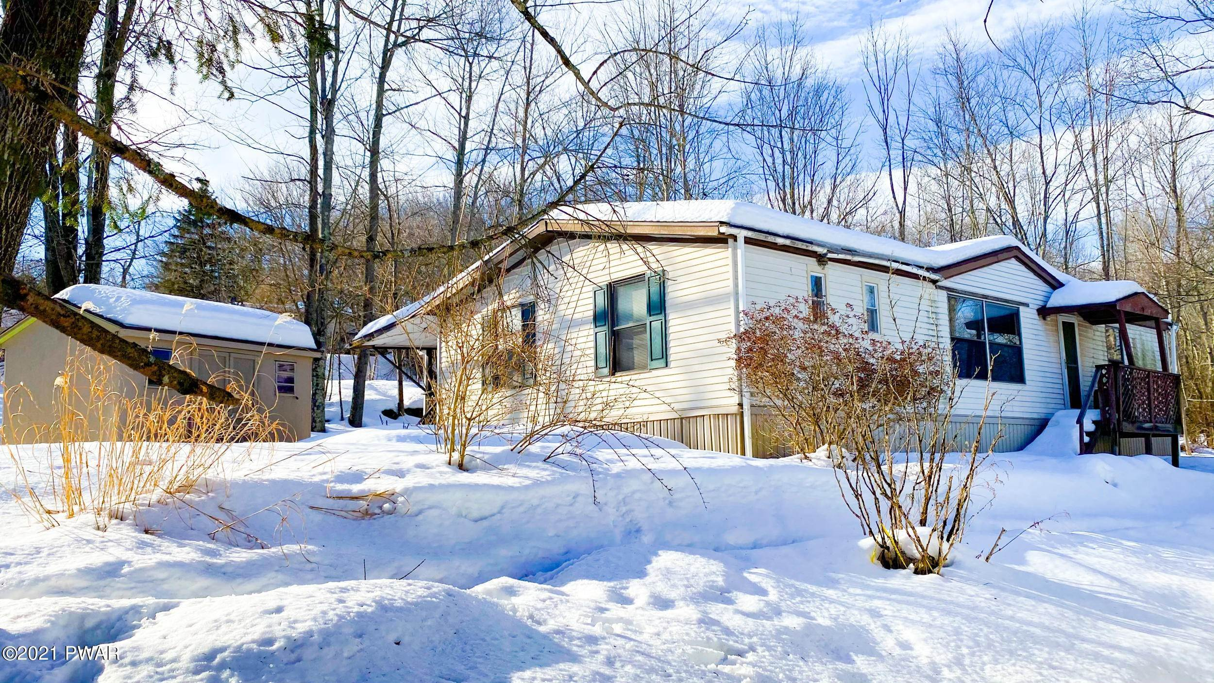 Mobile Homes for Sale at 137 Cardinal Honesdale, Pennsylvania 18431 United States