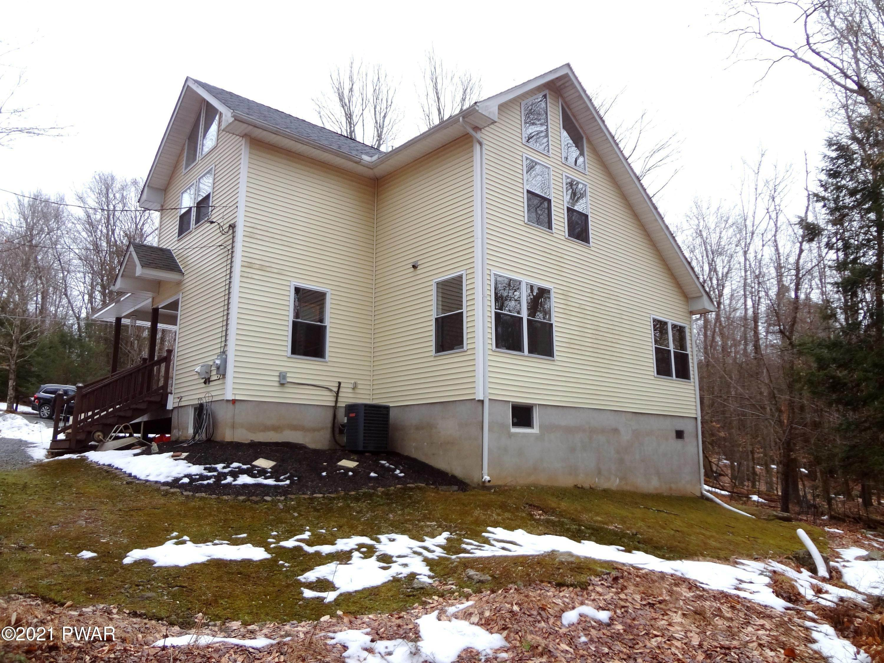 28. Single Family Homes for Sale at 124 & 23 Ridge Cir Greentown, Pennsylvania 18426 United States