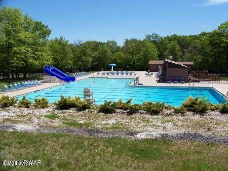 31. Single Family Homes for Sale at 103 Summer Dr Dingmans Ferry, Pennsylvania 18328 United States