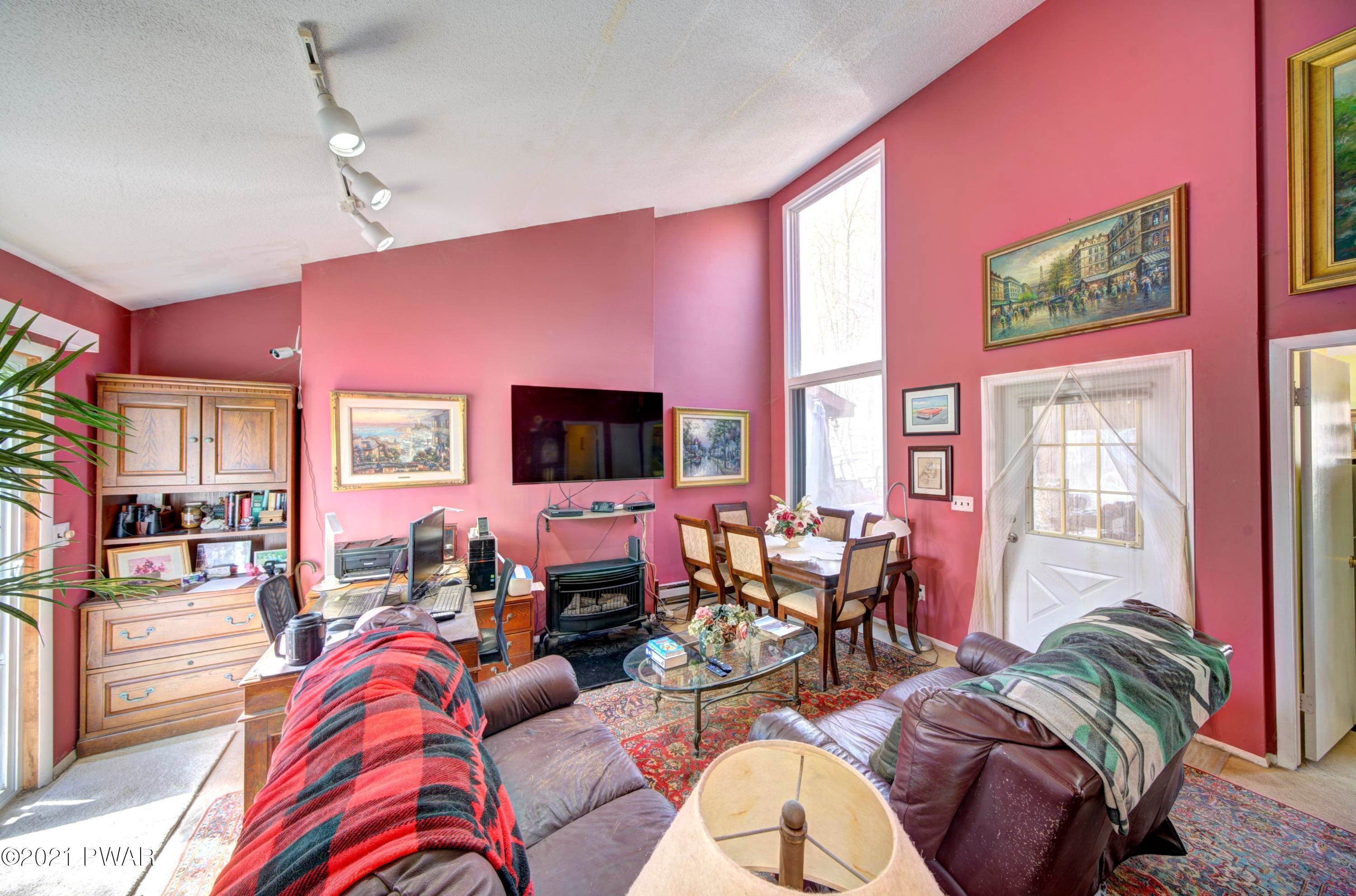 13. Single Family Homes for Sale at 120 Twin Rivers Rd Lackawaxen, Pennsylvania 18435 United States