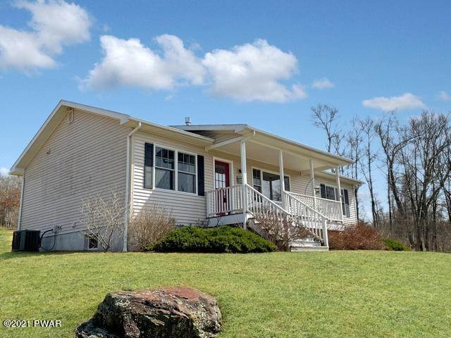 Single Family Homes for Sale at 400 Welcome Lake Rd Beach Lake, Pennsylvania 18405 United States