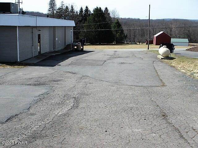 9. Commercial for Sale at 209 Mount Cobb Hwy Lake Ariel, Pennsylvania 18436 United States