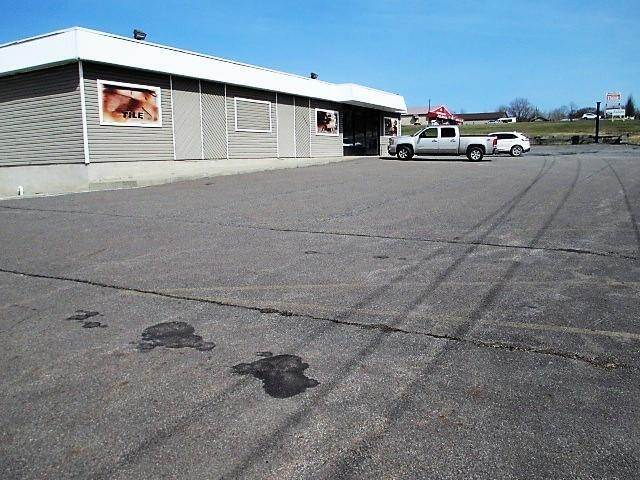7. Commercial for Sale at 209 Mount Cobb Hwy Lake Ariel, Pennsylvania 18436 United States