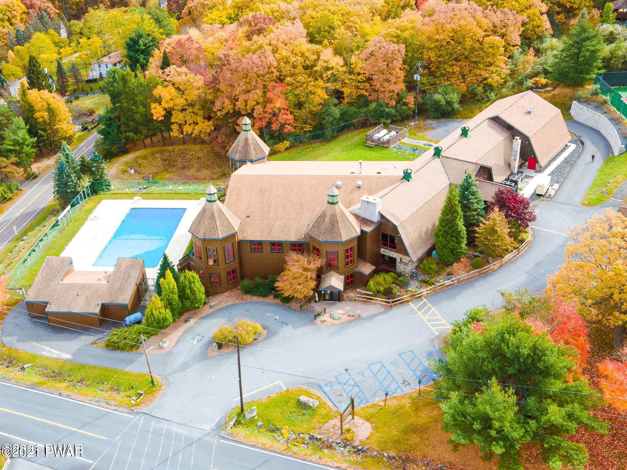 66. Single Family Homes for Sale at 105 Canoebrook Dr Lords Valley, Pennsylvania 18428 United States