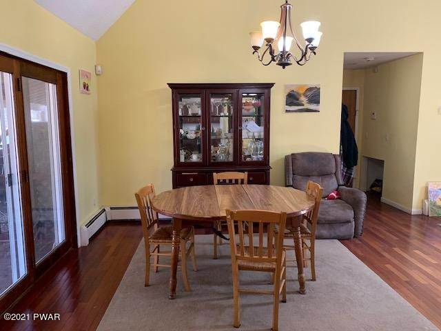 11. Single Family Homes for Sale at 146 Crocus Ln Milford, Pennsylvania 18337 United States