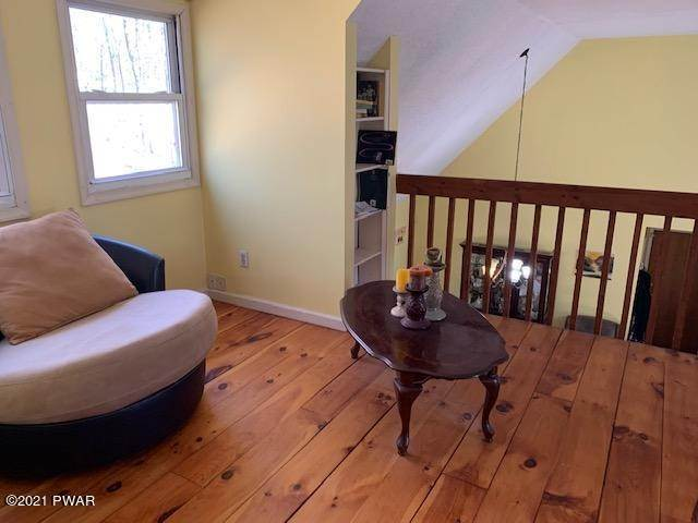 22. Single Family Homes for Sale at 146 Crocus Ln Milford, Pennsylvania 18337 United States
