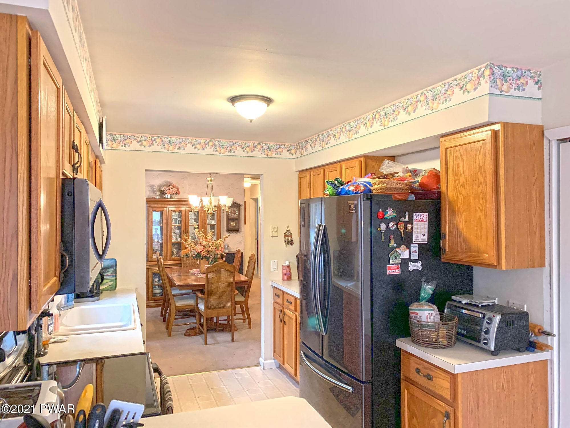 12. Single Family Homes for Sale at 217 Boulder Rd Lake Ariel, Pennsylvania 18436 United States