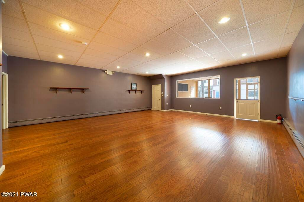 5. Commercial for Sale at 53 Salem Ave Carbondale, Pennsylvania 18407 United States