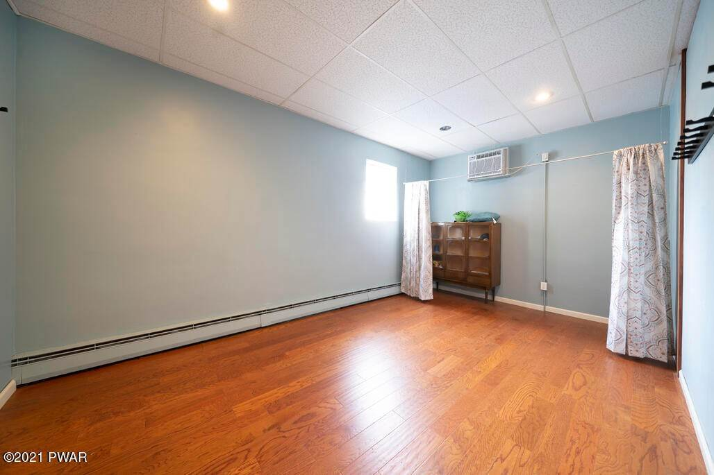 6. Commercial for Sale at 53 Salem Ave Carbondale, Pennsylvania 18407 United States