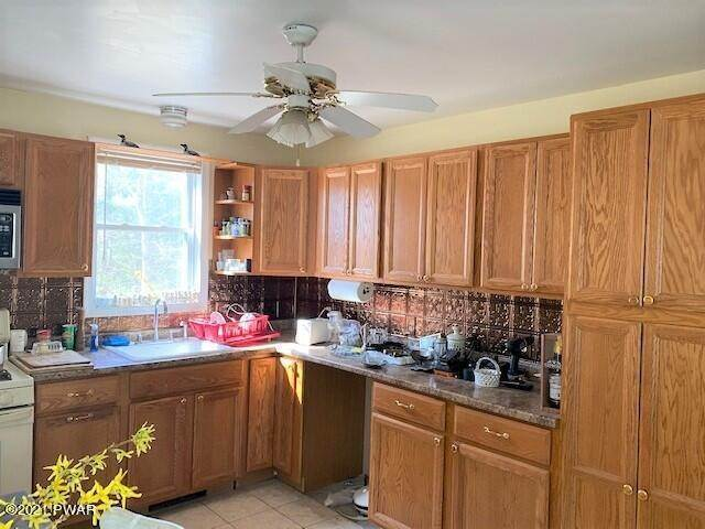 9. Single Family Homes for Sale at 117 Laurel Valley Ct Shohola, Pennsylvania 18458 United States