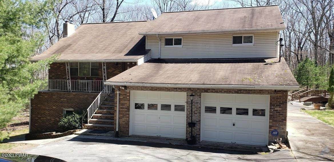 Single Family Homes for Sale at 126 Jack Pine Dr Dingmans Ferry, Pennsylvania 18328 United States