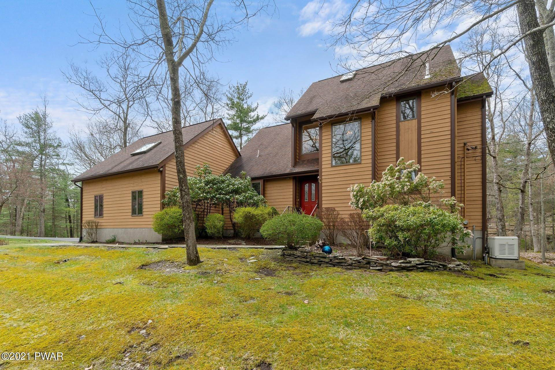 2. Single Family Homes for Sale at 103 Vesuvius Ln Milford, Pennsylvania 18337 United States