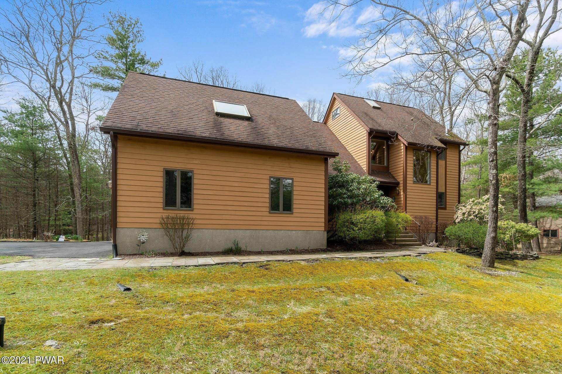 55. Single Family Homes for Sale at 103 Vesuvius Ln Milford, Pennsylvania 18337 United States