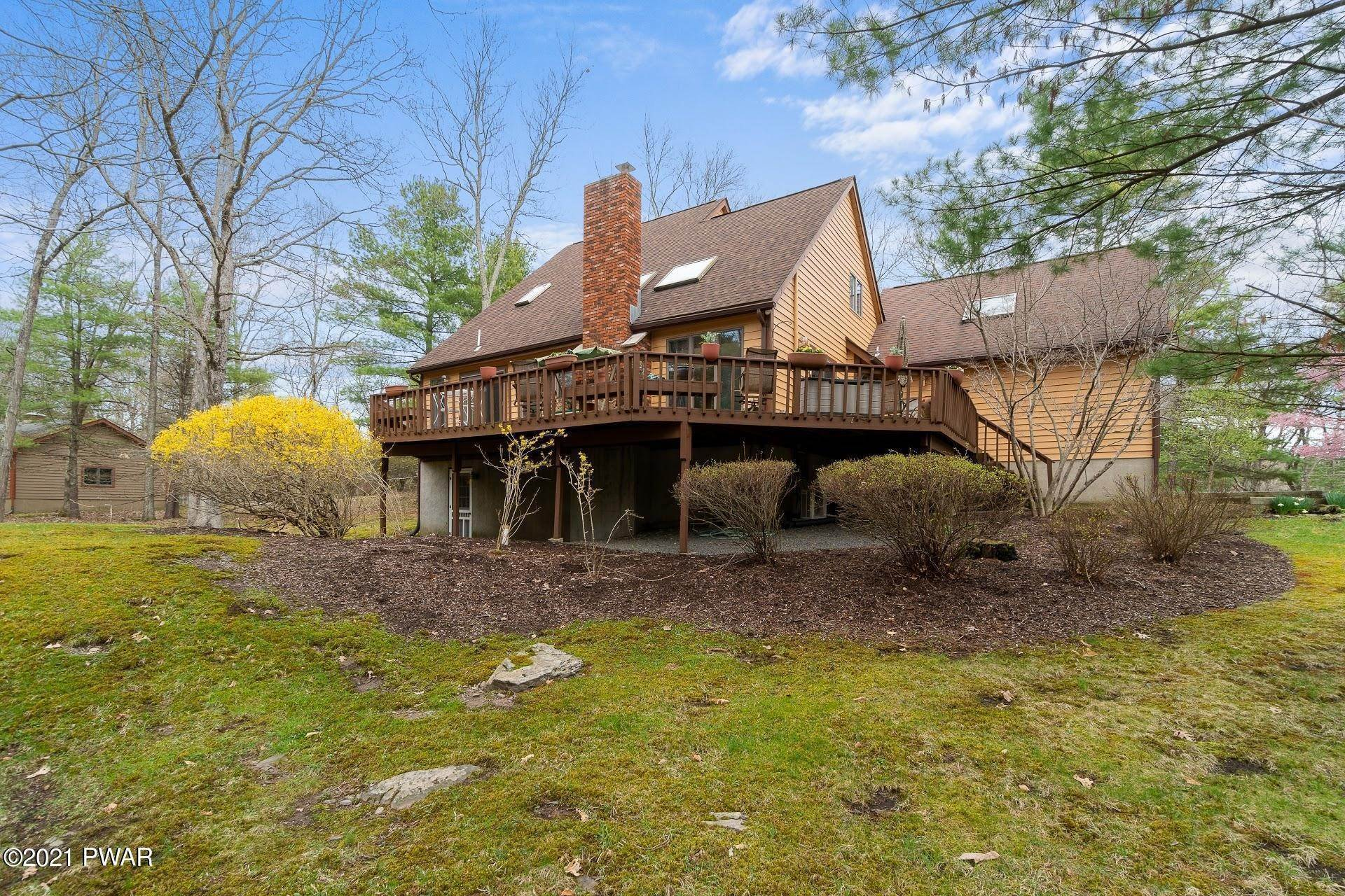 Single Family Homes for Sale at 103 Vesuvius Ln Milford, Pennsylvania 18337 United States