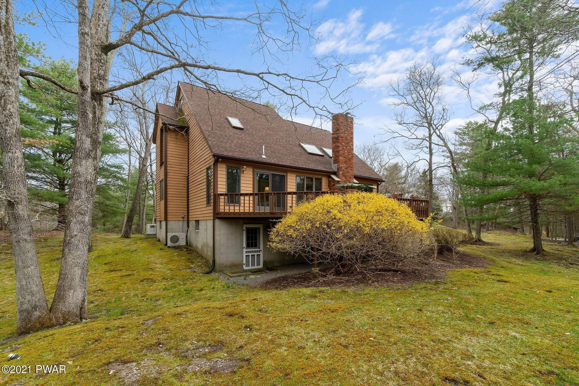 57. Single Family Homes for Sale at 103 Vesuvius Ln Milford, Pennsylvania 18337 United States