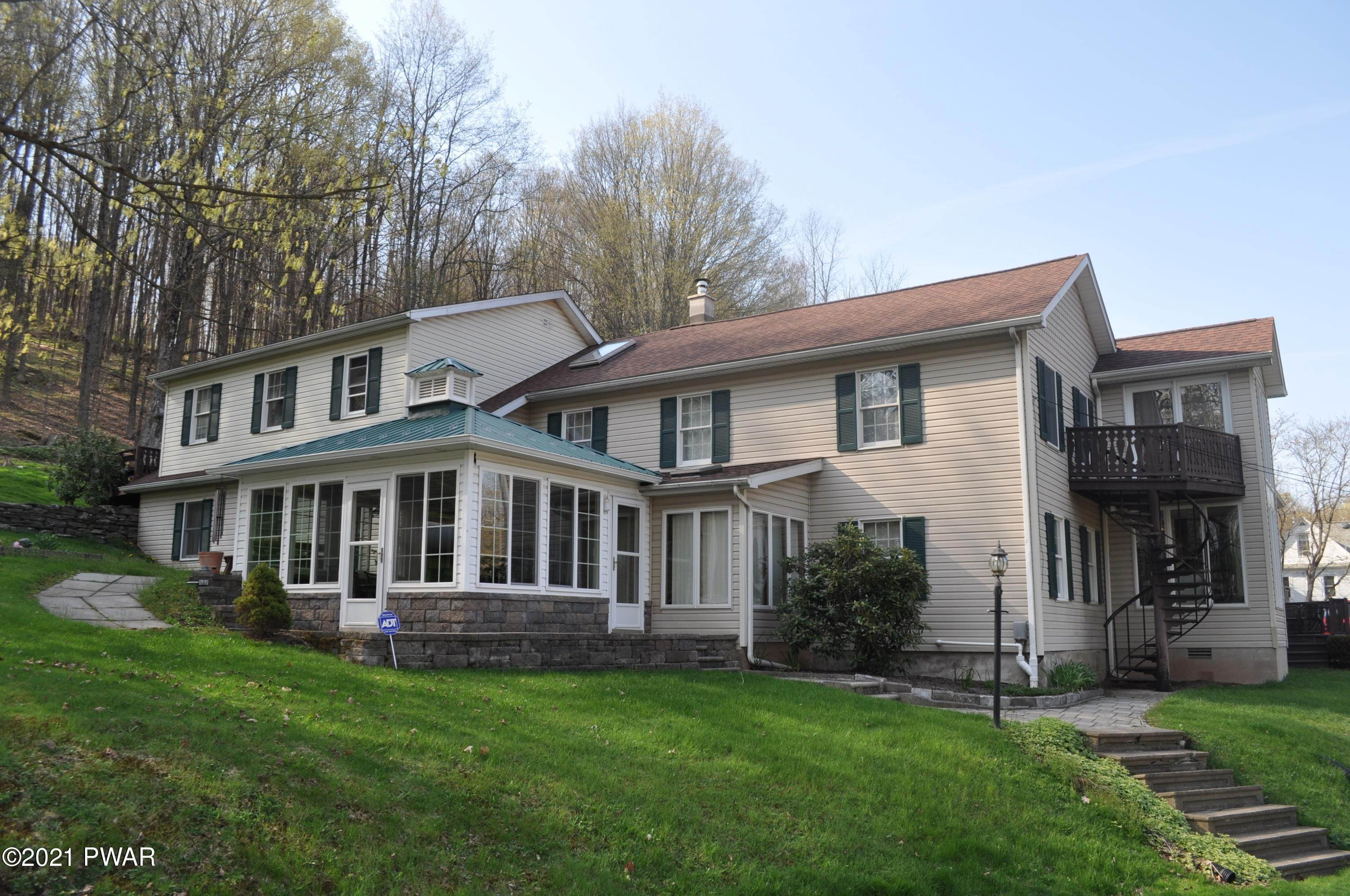 86. Single Family Homes for Sale at 277 High St Hop Bottom, Pennsylvania 18824 United States