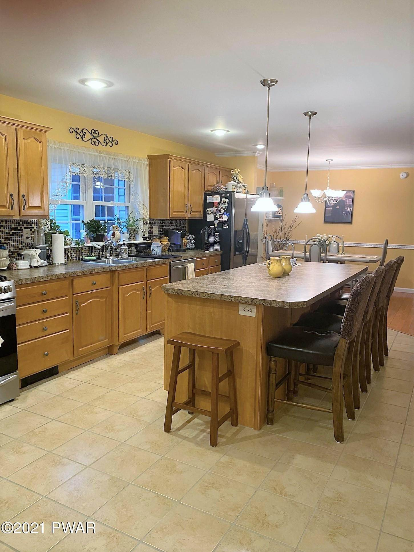 14. Single Family Homes for Sale at 14 Thornwood Ter Lake Ariel, Pennsylvania 18436 United States