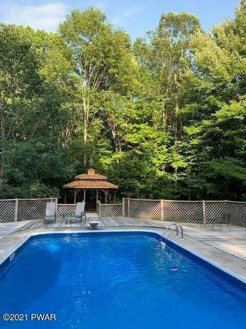 3. Single Family Homes for Sale at 210 Crane Rd Lakeville, Pennsylvania 18438 United States