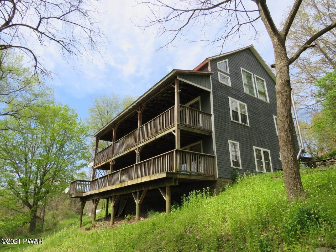 17. Multi-Family Homes for Sale at 65 Grocery Hill Rd Equinunk, Pennsylvania 18417 United States