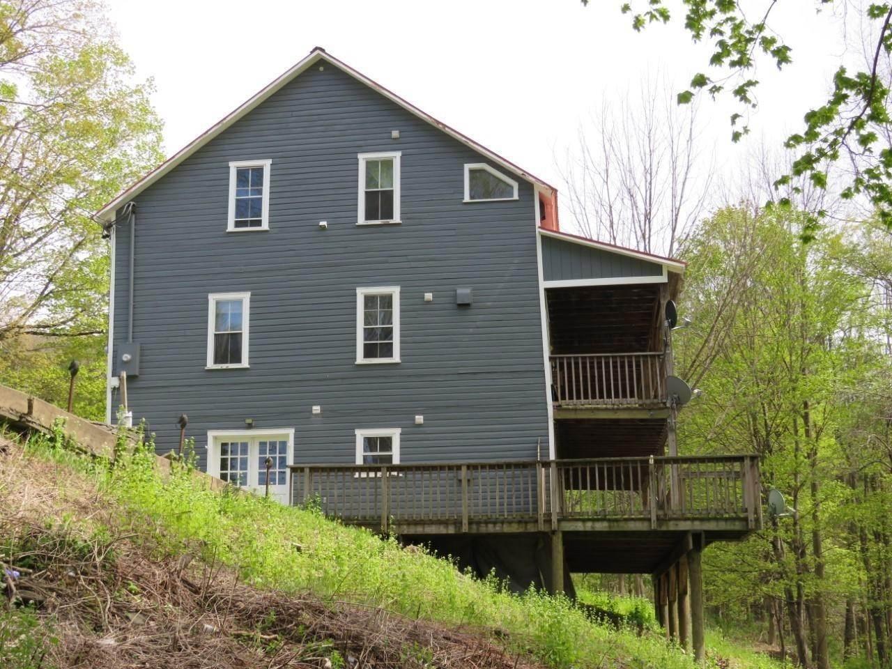 21. Multi-Family Homes for Sale at 65 Grocery Hill Rd Equinunk, Pennsylvania 18417 United States