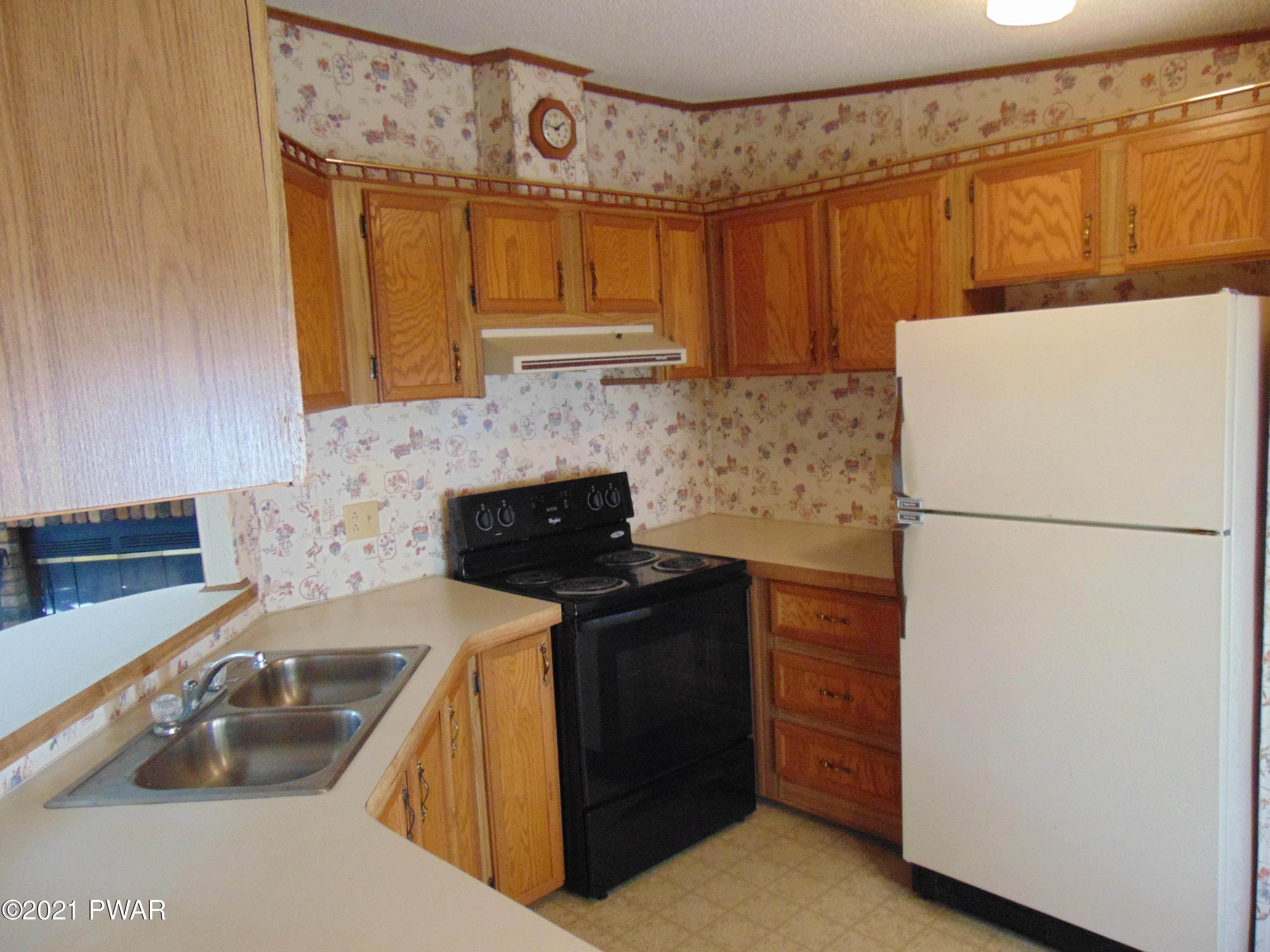11. Mobile Homes for Sale at 112 Hilltop Cir Greentown, Pennsylvania 18426 United States