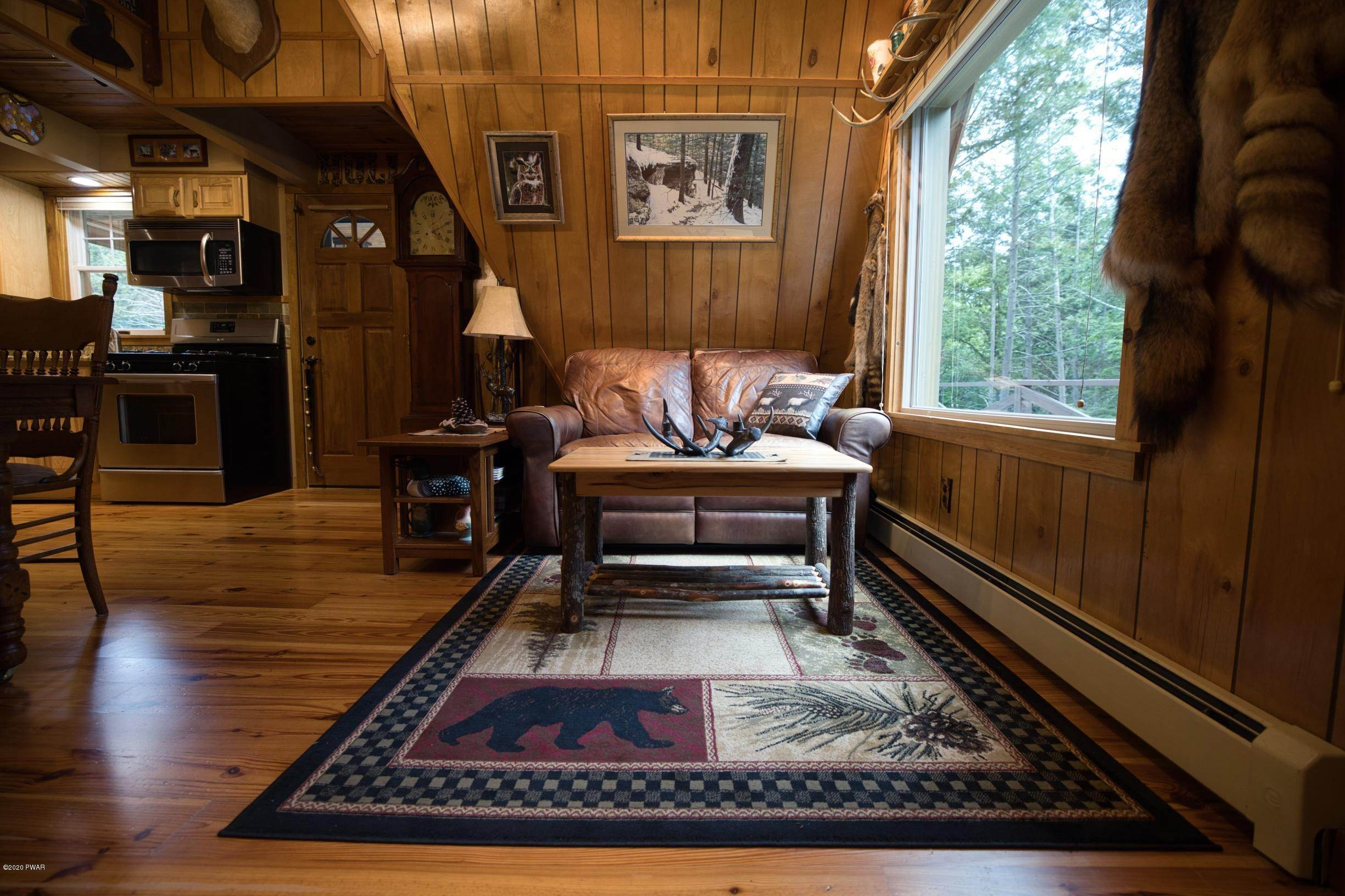 14. Single Family Homes for Sale at 150 Log And Twig Rd Dingmans Ferry, Pennsylvania 18328 United States