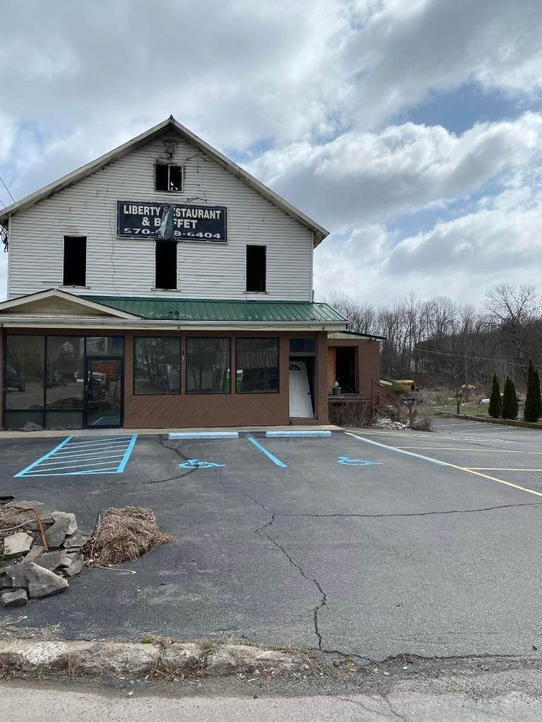 3. Commercial for Sale at 1410 Lake Ariel Hwy Lake Ariel, Pennsylvania 18436 United States