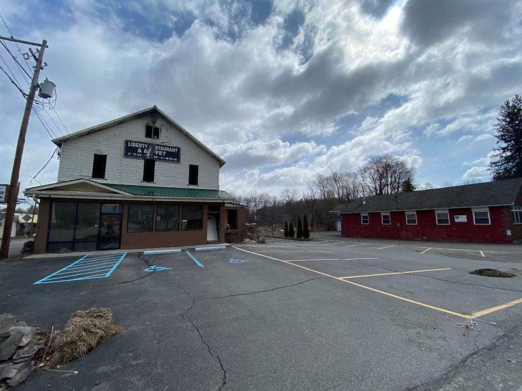 4. Commercial for Sale at 1410 Lake Ariel Hwy Lake Ariel, Pennsylvania 18436 United States