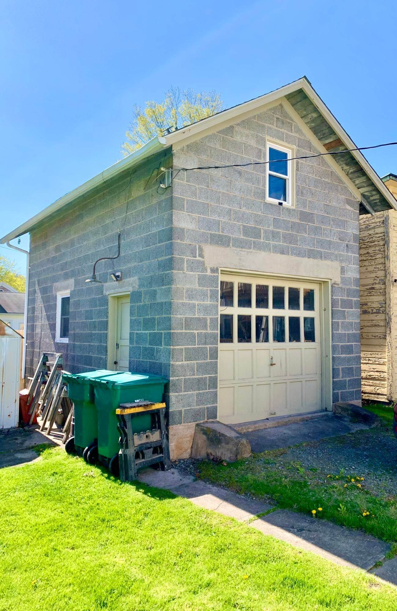 5. Single Family Homes for Sale at 1222 Dyberry Pl Honesdale, Pennsylvania 18431 United States