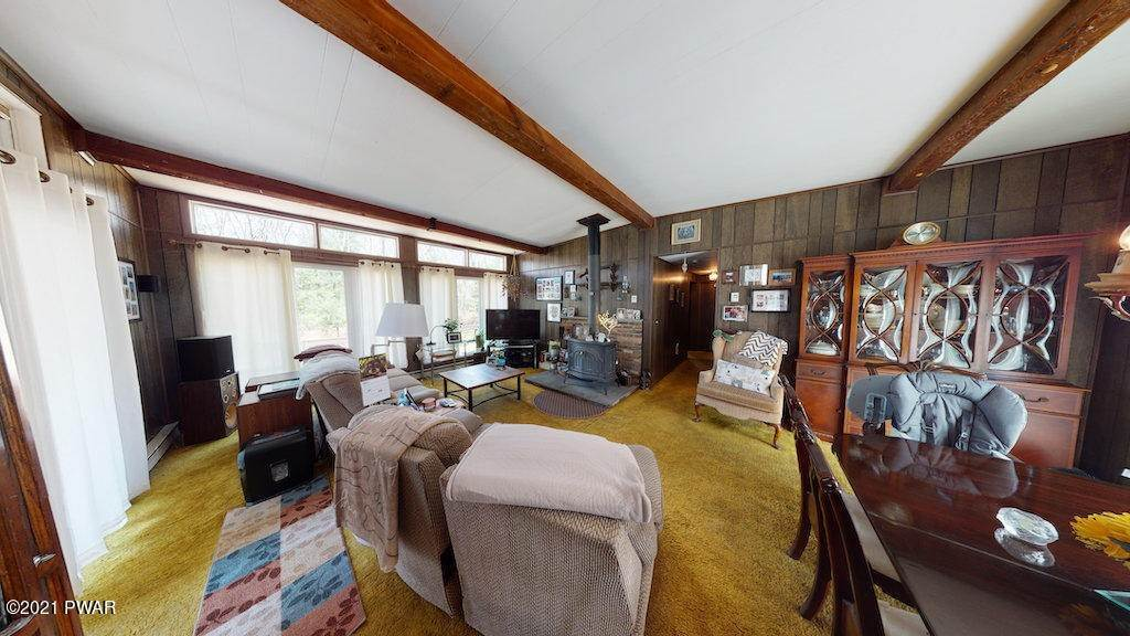 25. Single Family Homes for Sale at 210 Crane Rd Lakeville, Pennsylvania 18438 United States